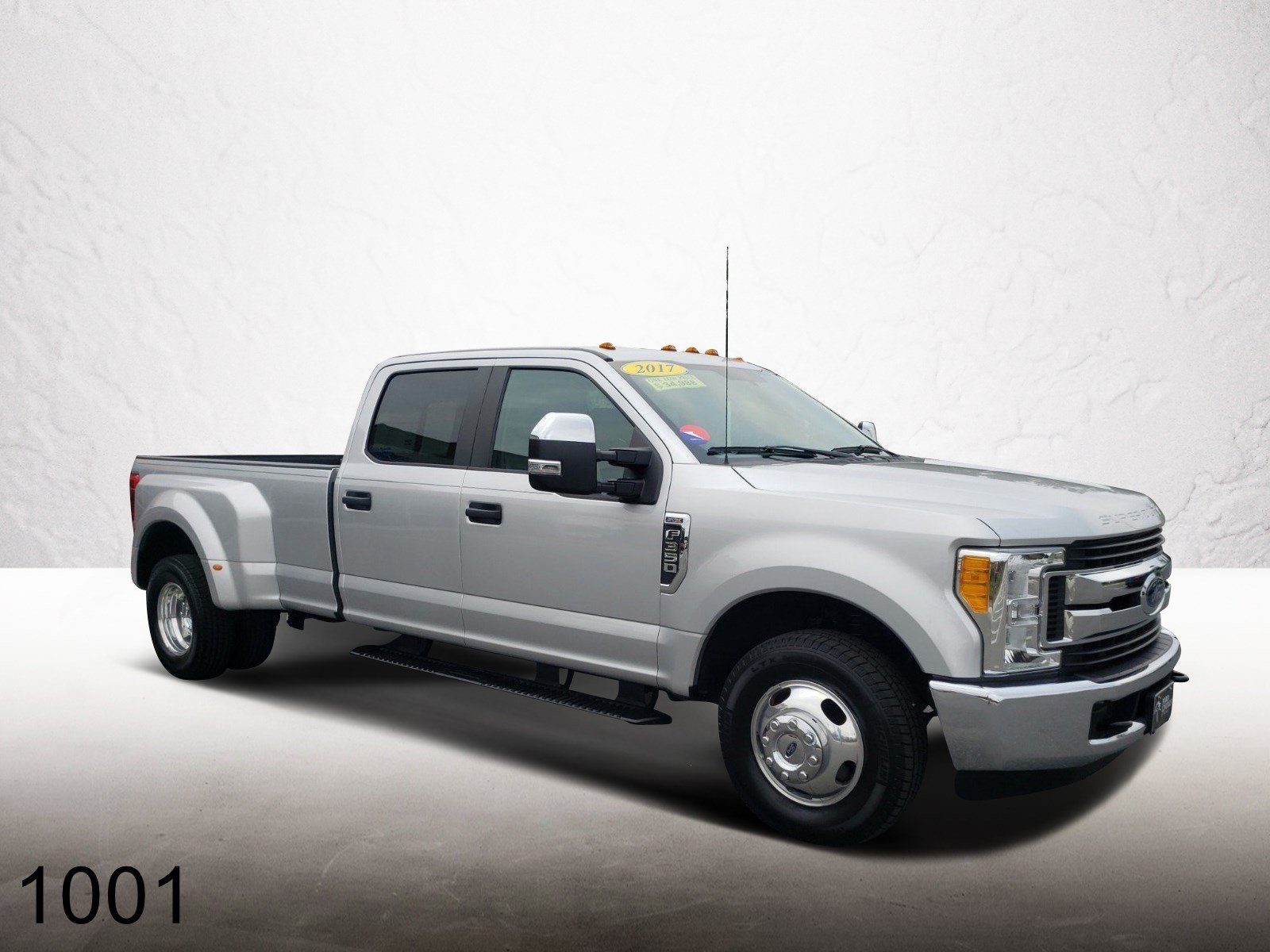 Pre-Owned 2017 Ford Super Duty F-350 DRW XL