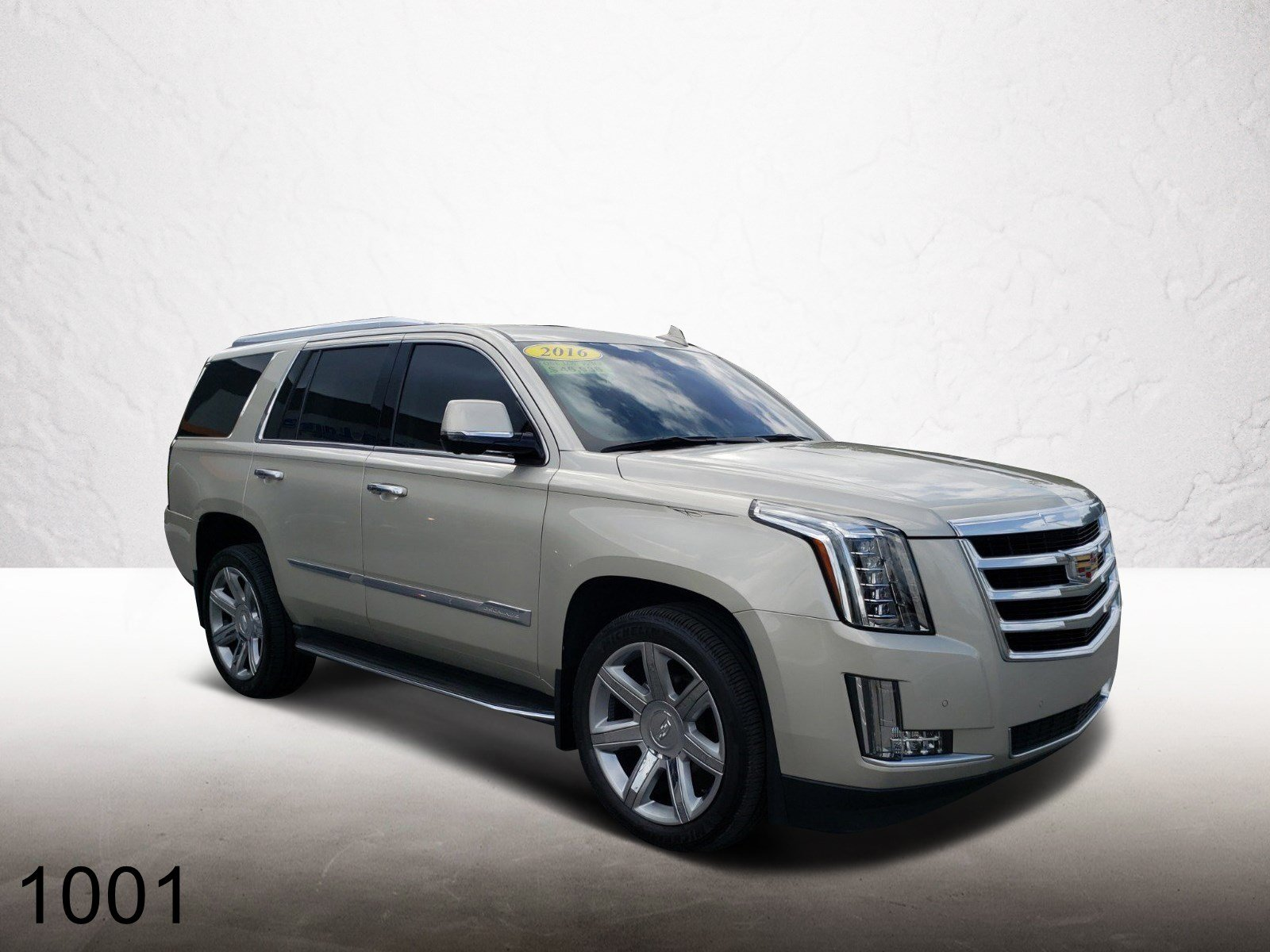 Pre-Owned 2016 Cadillac Escalade Luxury Collection